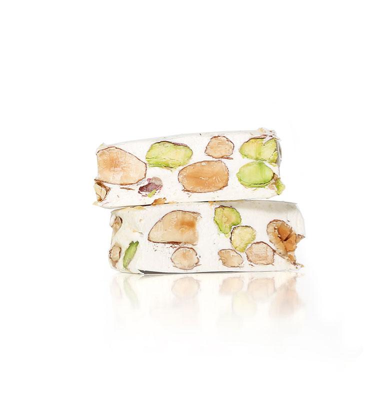 Torrone bianco tenero con mandorle e pistacchi