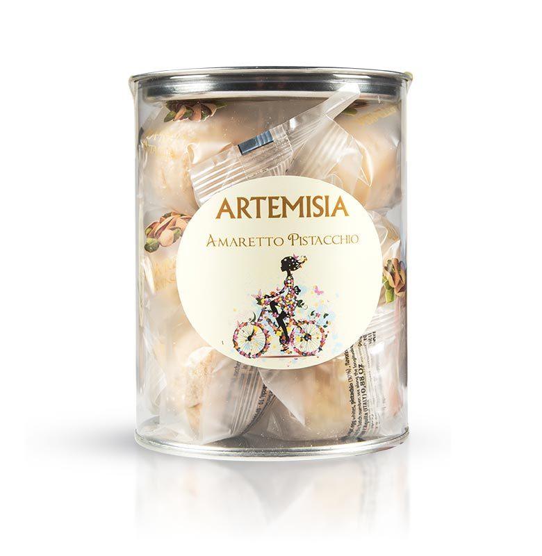 Amaretti with pistachios